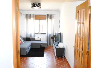 One Bedroom Flat with Balcony in Carcavelos Beach