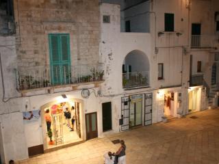 Casa Piazza Emanuele, Cisternino