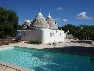 Charming Trullo with pool for up to 6 persons in a quiet location near Ostuni