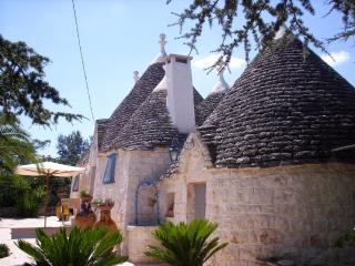 Lovely Trullo with large flowered terrace near Cisternino, in the heart of the I