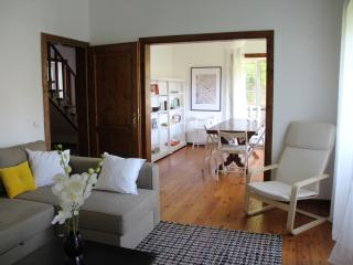 Charming Dormer House in Cascais Center
