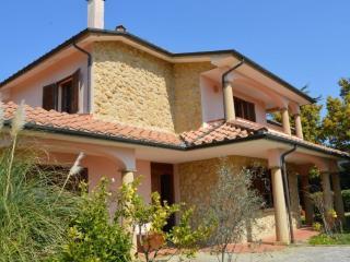 Villa con parco nella campagna toscana 12km mare, Casale Marittimo