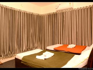 Service apartment in Borivali east near Metro mall, Bombay