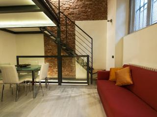 CENTRAL LOFT WITH SPA AREA