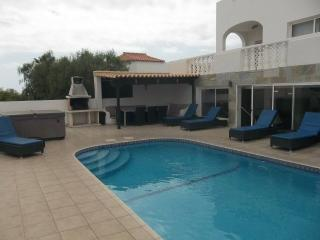 VA5803201| Beautiful 6 Bedroom Villa. Stunning Views. Jacuzzi. Callao Salvaje.
