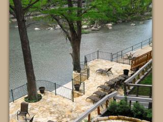 Tiki on the Rio! Perfect Holiday Getaway!, New Braunfels