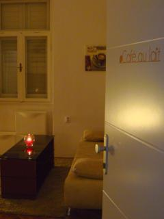 Entrance to Cafe au lait apartment