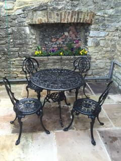 Relax in the fresh air and sunshine!.Ideal for a drink or even a meal, (weather permitting!)