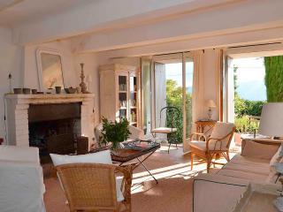 Une maison de poète dans le Luberon