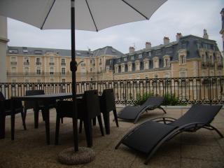 GRANDE TERRASSE DANS CENTRE ANIME DE BIARRITZ  4, Biarritz