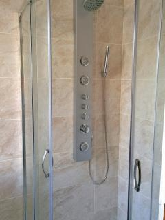 Shower with body jets.