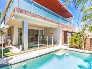 MALIBU18 BEACH HOUSE