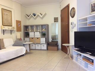 Nice and cozy flat near Acropolis, Kallithea