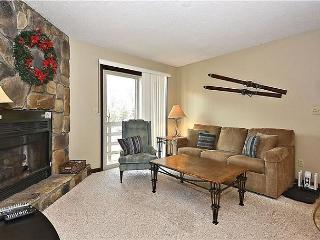 'Eagles Nest' is ground floor condo is just steps from the ski lift., Davis