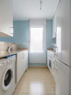 Cocina office equipada con lavadora,lavavajillas, microondas, cafetera nexpresso,etc