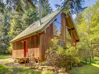 Quiet cottage for 4, short walk to Spencer Spit State Park!, Lopez Island