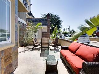 Beautiful home w/private patio just minutes from the beach, Newport Beach