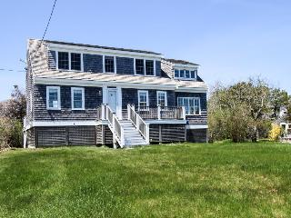 Charming Cape Cod home with ocean views and beach access!, Chatham
