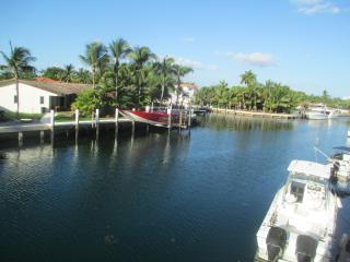 Condo in North Miami, excellent location, modern