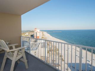 Beautiful, Gulf Shores Beachfront Condo - Walking