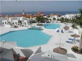 Bonito apartamento situado en maravilloso edificio, Playa Paraiso