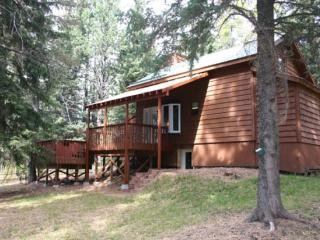 Trail Mountain Cabin, Lead