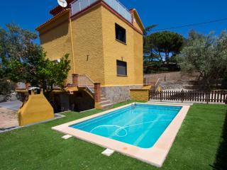 Catalunya Casas: Super Airesol C villa for 8-9 guests with a private, secure poo