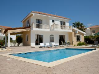 Villa Quinton, Central Coral Bay, Walkng Distance, Paphos