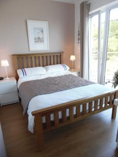 Compact  Double bedroom. Sea and countryside views. Eco wall panel heater.
