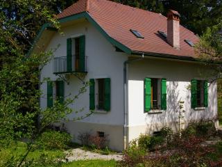 ST-JORIOZ, Maison de famille, proche lac, 9 PERS.