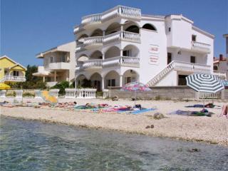 Villa Maria apartments - House on the beach BLU, Vir