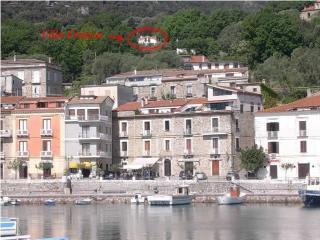 Villa Franca vista dal porticciolo