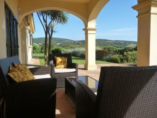 Villa Esmeralda - family villa, pool, great views