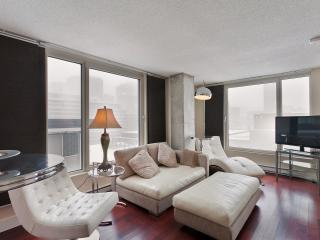 South beach style condo - Old Montreal