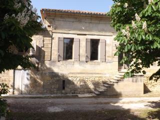 Gîte à 15km de Saint Emilion, Francs