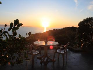 Casa con vista mare sull'isola d'Elba 10 min a piedi dalla spiaggia, Patresi