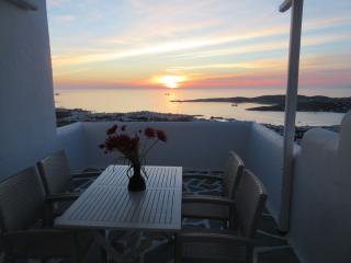Appartement calme et cosy vue mer Egée, Parikia