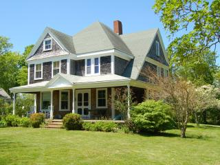 Cape Cod B&B in Historic Barnstable