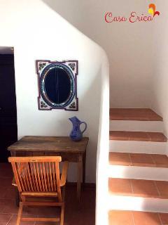 Un angolo della camera matrimoniale con soppalco
