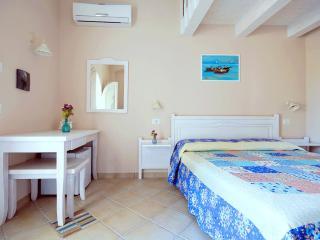 Residenza a due passi dal mare camera Oltremar, Tropea