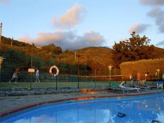 Cozy tuscan villa with pool and tennis court, Pian di Sco