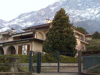 Lierna lago di Como affitto bilocale arredato