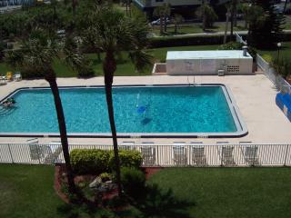 Cocoa Beach Towers 41 direct Oceanfront