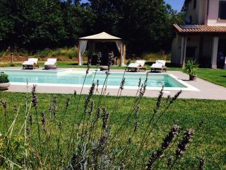 Villa bifamiliare con piscina su campo da golf