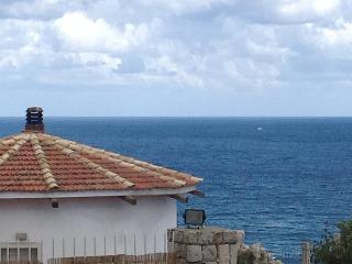 Holiday letting 8 pers.Mare e Sole at the coast, Aspra