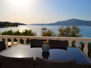 Seaside Oasis Superior Apartment in Trogir Area, Okrug Gornji