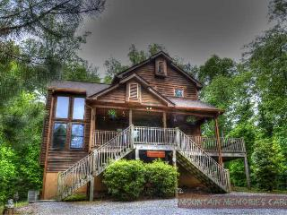 Closer to Heaven, Luxury in the woods, Pool Table, Ellijay