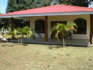 LARGE PAQUERA HOME NEAR BEACHES – Private and Safe, Paquera