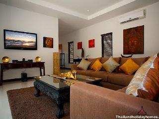 Modern 4 bed Nai Harn serviced villa, Kata Beach