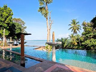 Krabi Beachfront Resort Seaview Suite, Railay Beach